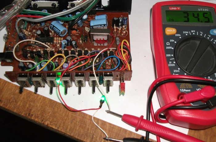 Измерение тока потребляемого лампой накаливания для подсветки панели