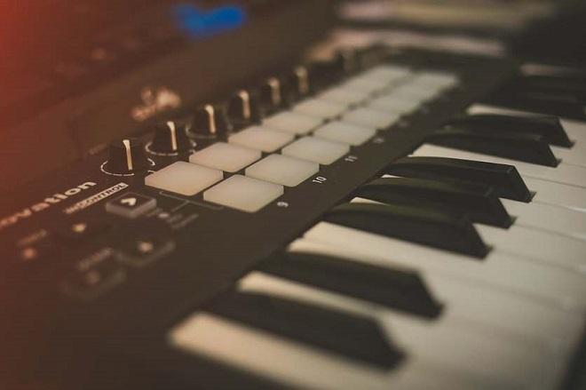 Лучшие миди-клавиатуры