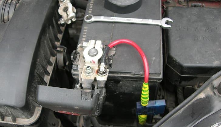 Подключение автомагнитолы к аккумулятору