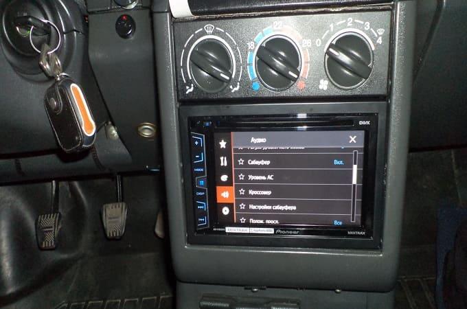 Процессорные 2DIN-магнитолы в автомобиле