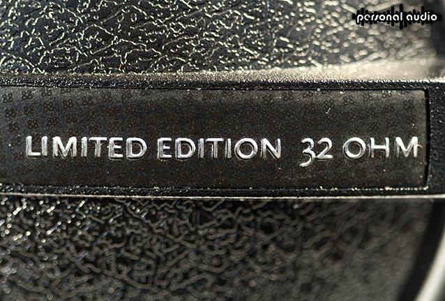 Шильдик наушников Beyerdynamic DT 770 PRO 32 Ohm LE(Limited Edition)