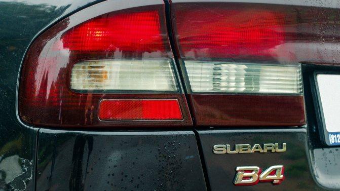 Subaru Legacy фонарь